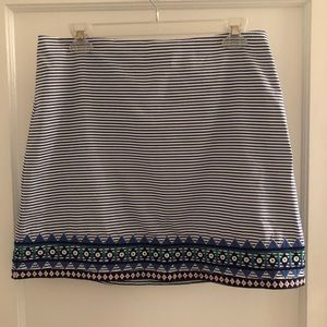 Vineyard Vines striped mini skirt w/ embroidery 4